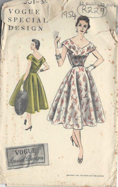 1954-Vintage-VOGUE-Sewing-Pattern-B32-ONE-PIECE-DRESS-R229-251164512616